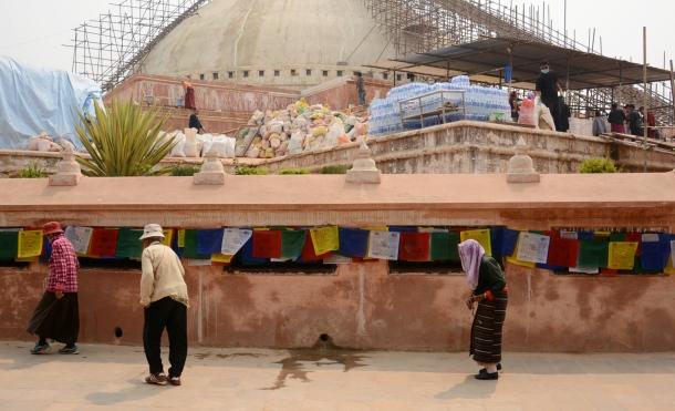 1 Boudhanath stupa elders.jpg