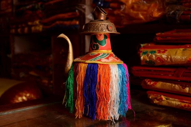 1 Boudhanath tibetan tea pot.jpg