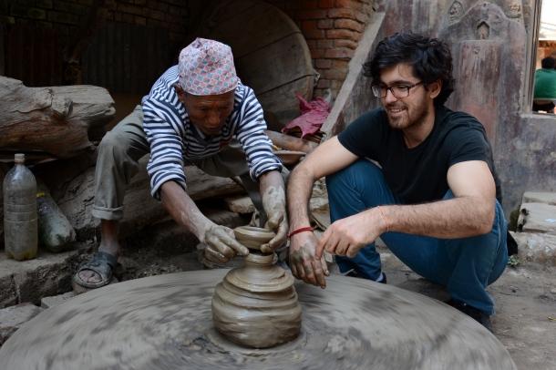 4 Bhaktapur pottery com miki